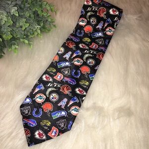 NFL TEAM Black Footballs Logos Mens Neck Tie